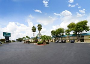 Quality Inn & Suites San Antonio